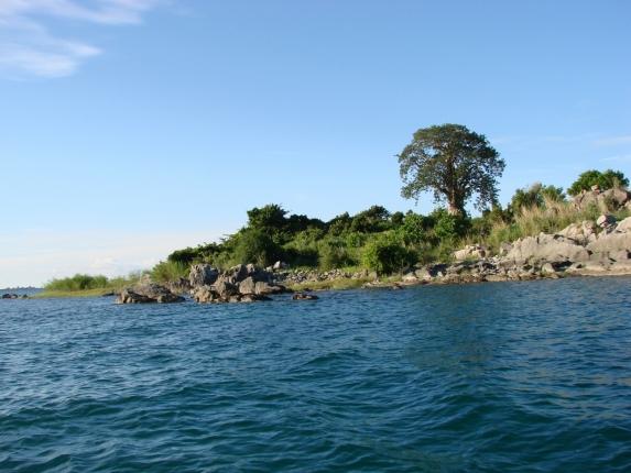 """Chizumulu Island von der """"Ilala"""" fotografiert."""